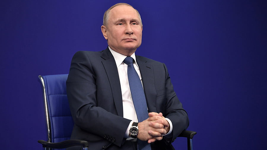 Putin Reacts to US Treasury 'Kremlin List': 'Dogs Bark But the Caravan Moves On'
