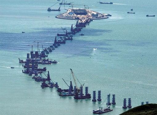 china-and-world-longest-sea-bridge-construction-of-pillars