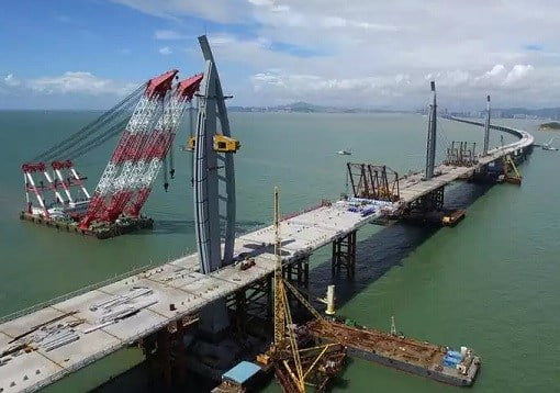 china-and-world-longest-sea-bridge-construction-of-towers