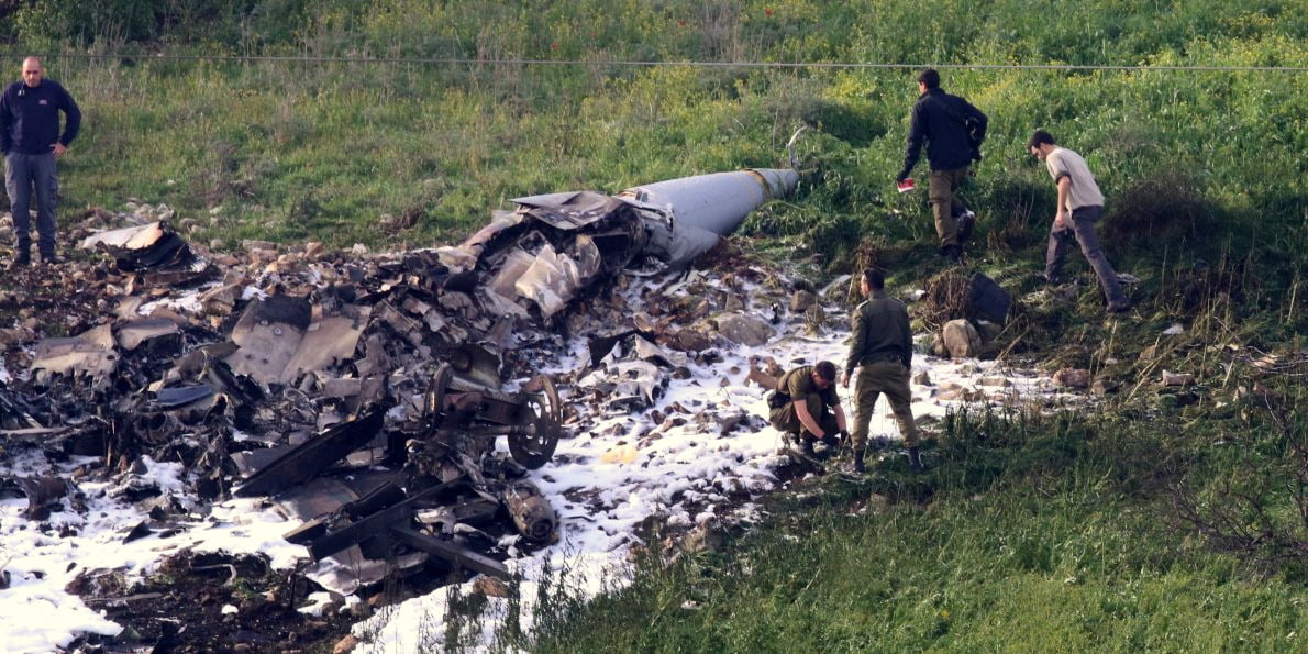 israeli-jet-shot-down-by-syrian-anti-aircraft-fire-001