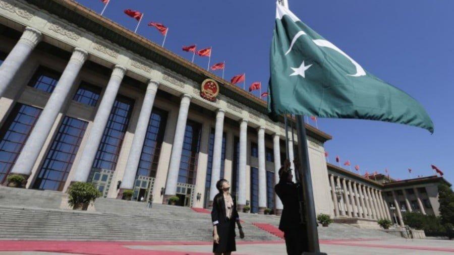 """Indian Fake News on Pakistan Adopting Mandarin as """"Official Language"""""""