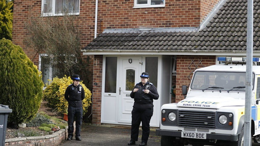 Who Gains From Poisoning a Russian Exile in Britain?