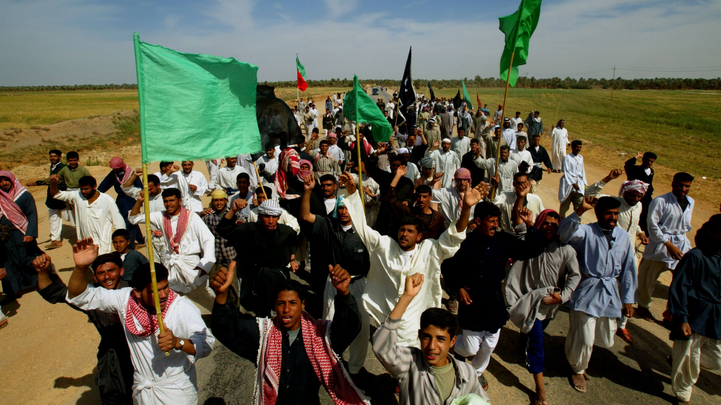 IRAQI SHIITE MEN WALK TO NAJAF FOR PILGRIMAGE FOR THE FIRST TIME IN 26YEARS.