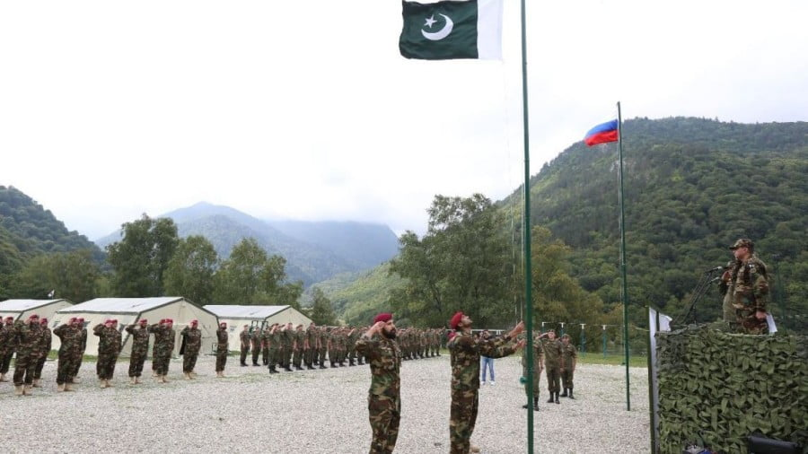 Why Pakistan Should Ditch America and Boost Ties with Russia