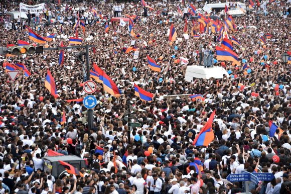 Supporters of opposition leader Nikol Pashinyan gather on May 8, 2018 in Yerevan's central Republic Square. Photo: AFP/Sergei Gapon