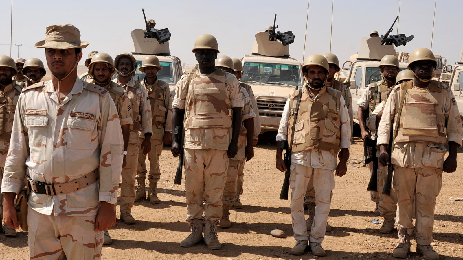 Saudi soldiers stand in formation at their base in the southern province of Jizan, near the border with Yemen, Saudi Arabia, Nov. 8, 2009. Photo | AP