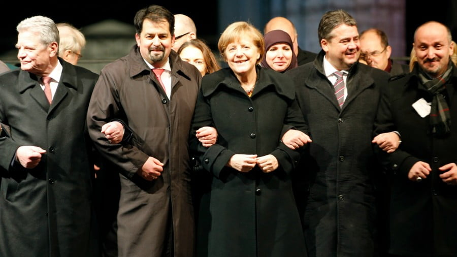 In Berlin, in January 2015, a march for tolerance united political and Muslim leaders in reaction to the attack on Charlie Hebdo in Paris. Madame Merkel marched arm in arm with Aiman Mazyek, general secretary of the Central Council of Muslims in Germany. Although he pretends to have broken with the Muslim Brotherhood, and maintains an open dialogue, Mr. Mazyek offers protection within his organisation to the Milli Gorus (the supremacist organisation of Recep Tayyip Erdoğan) and the Muslim Brotherhood (the matrix of jihadist organisations, under the international presidency of Mahmoud Ezzat, ex-right hand of Sayyid Qutb).