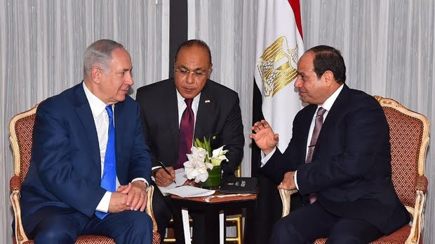 Netanyahu and Sisi in New York on 18 September 2017 (AFP)