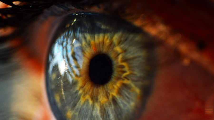 4 Ways To Keep From Losing Your Eyesight (Cataract)