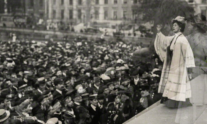 Emmeline Pankhurst addressing a pro-war rally in 1914