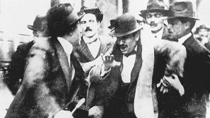 benito-mussolini-arrested-at-pro-war-rally-1915