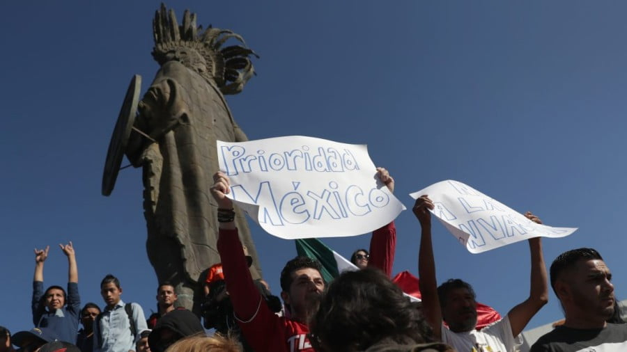 """Tijuana's """"Mexico First"""" Protests Might Become ALMO's First Crisis"""