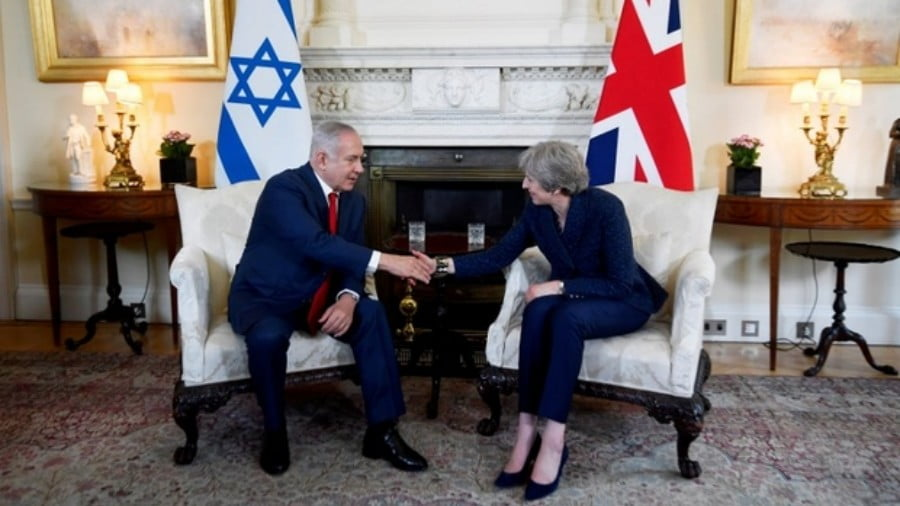 British Prime Minister Theresa May and Israeli Prime Minister Benjamin Netanyahu meet in London on 6 June (AFP)