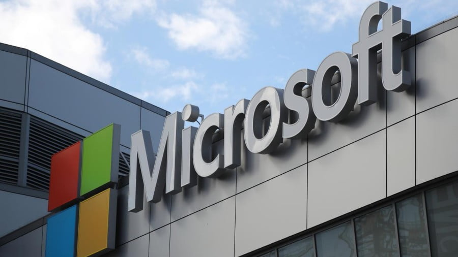 Is Microsoft Trying to Drive a Wedge Between Amazon and the Pentagon?