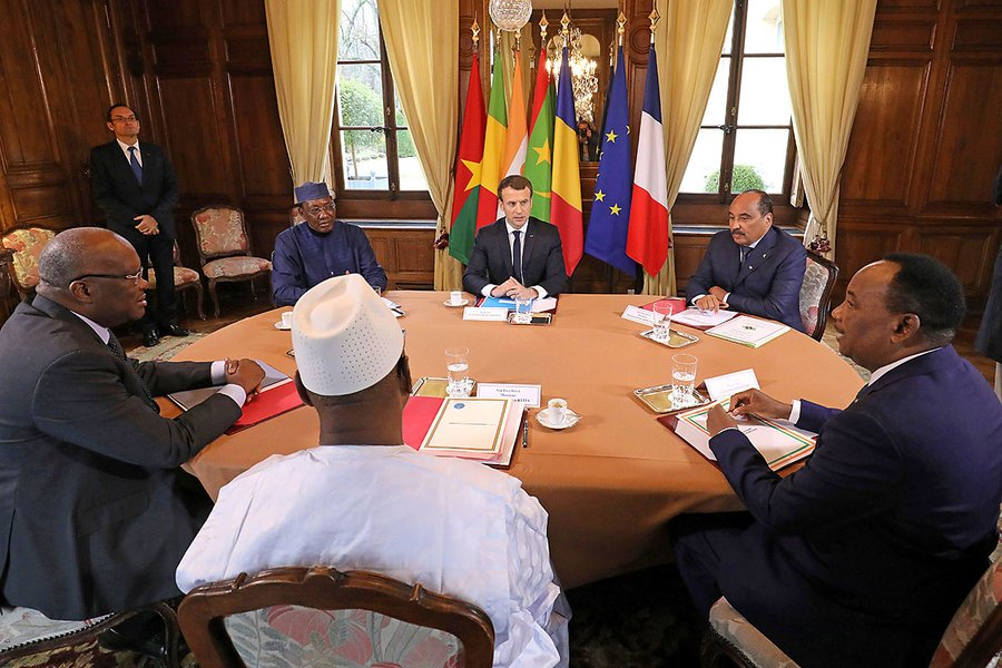 French President Macron (C) hosts a meeting with Burkina Faso's President Roch Marc Christian Kabore, Chadian President Idriss Deby, Malian President Ibrahim Boubacar Keita, Mauritania's President Mohamed Ould Abdel Aziz, and Niger's President Mahamadou Issoufou, Dec. 13, 2017