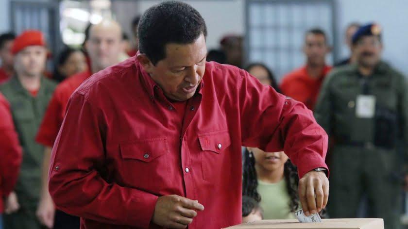 Chavez voting in 2007. (Wikimedia)