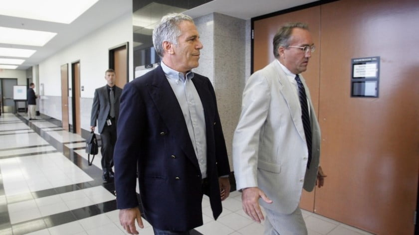 It Doesn't Take a Tin-Foil Hat to Smell a Rat in Epstein's 'Way Too Convenient' Death