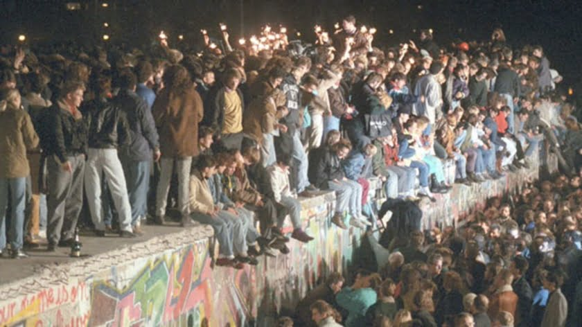 What the Dismantling of the Berlin Wall Means 30 Years Later