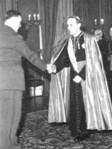 Ante Pavelić, leader of the Ustasa militia, and his protector, the Catholic Archbishop of Zagreb, Mgr. Alojzije Stepinac. The former is considered one of the worst criminals of the Second World War, the latter a Blessed One because of his fight against Titism.