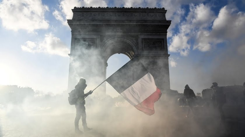 Fizzled-Out Rebels or Agents of Change? France's Year of Yellow Vests Protests