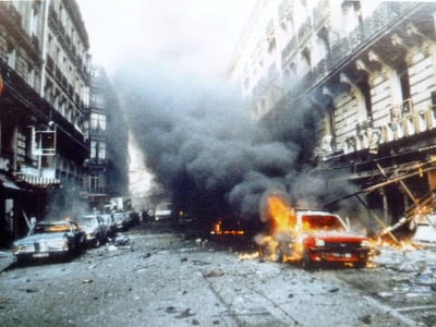 The attack on rue Marbeuf in Paris was ordered by Rifaat el-Assad. Under pressure from his friend President Mitterrand, it was wrongly attributed successively to the Syrian diplomat Michel Kassoua (who was expelled) and then to the revolutionary Carlos (who was convicted).