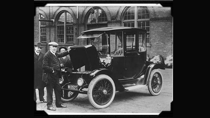 """The American Love Affair with the Automobile"": The Unspoken History of the Electric Car"