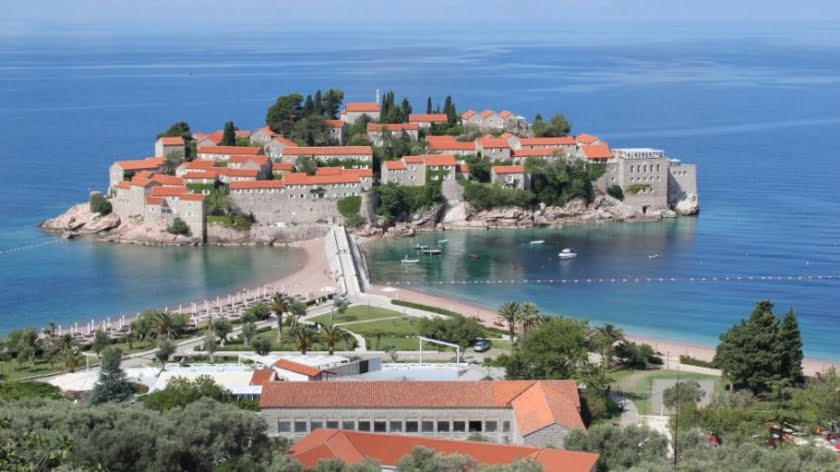 Western Campaign Against Orthodox Church Turns to Montenegro