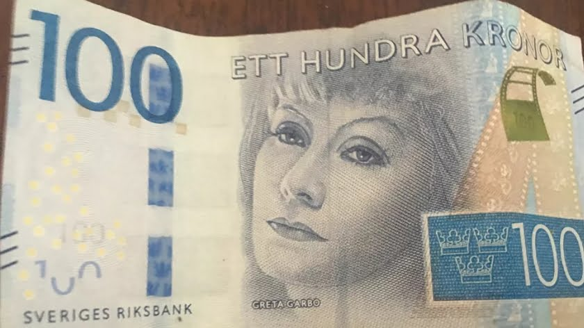 Is Sweden's Drive Towards a 'Cashless Society' Something to Emulate?