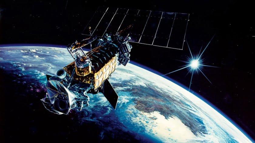 US Infrared Earth Surveillance Satellite Development Programs