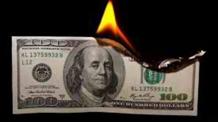 Crash of the Dollar? Is the US Dollar Doomed?