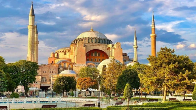 Mosques, Museums and Politics: The Fate of Hagia Sophia