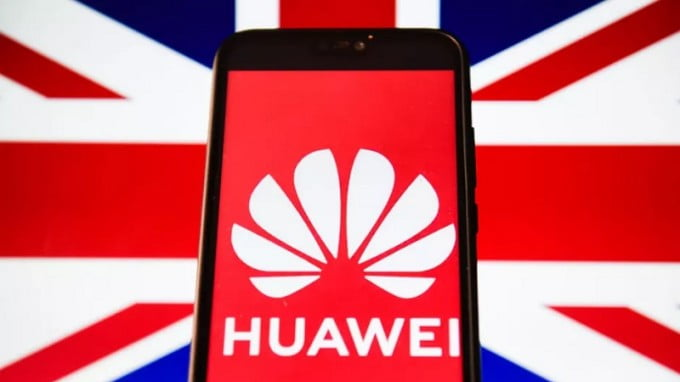 Britain Shamelessly Bowed to Its American Big Brother by Banning Huawei