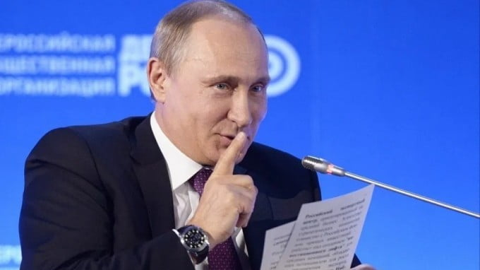 """Putin Hacked Our Coronavirus Vaccine"" Is The Dumbest Story Yet"