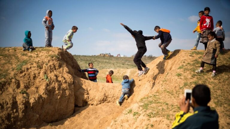 Where Infrastructure Means Prisons: A Drive into the Naqab and the Illusion of Israeli Democracy