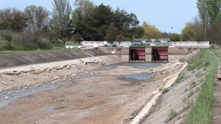 Kiev Attempts to Cut Water to Crimea